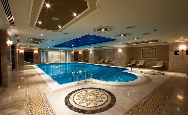 Построили более 300 бассейнов