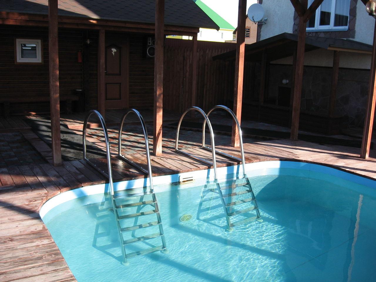 Безопасность в бассейне - аксессуары должны быть надежными
