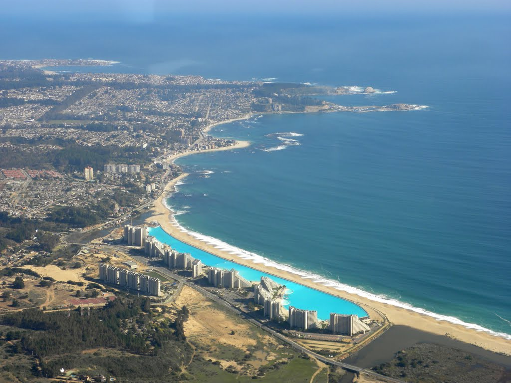 Самый большой бассейн – бассейн курорта San Alfonso del Mar в Algarrobo