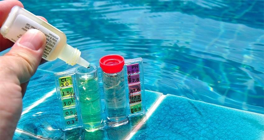 уход за бассейном - использование химических средств