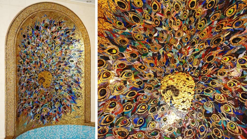панно из мозаики и смальты на стене бассейна