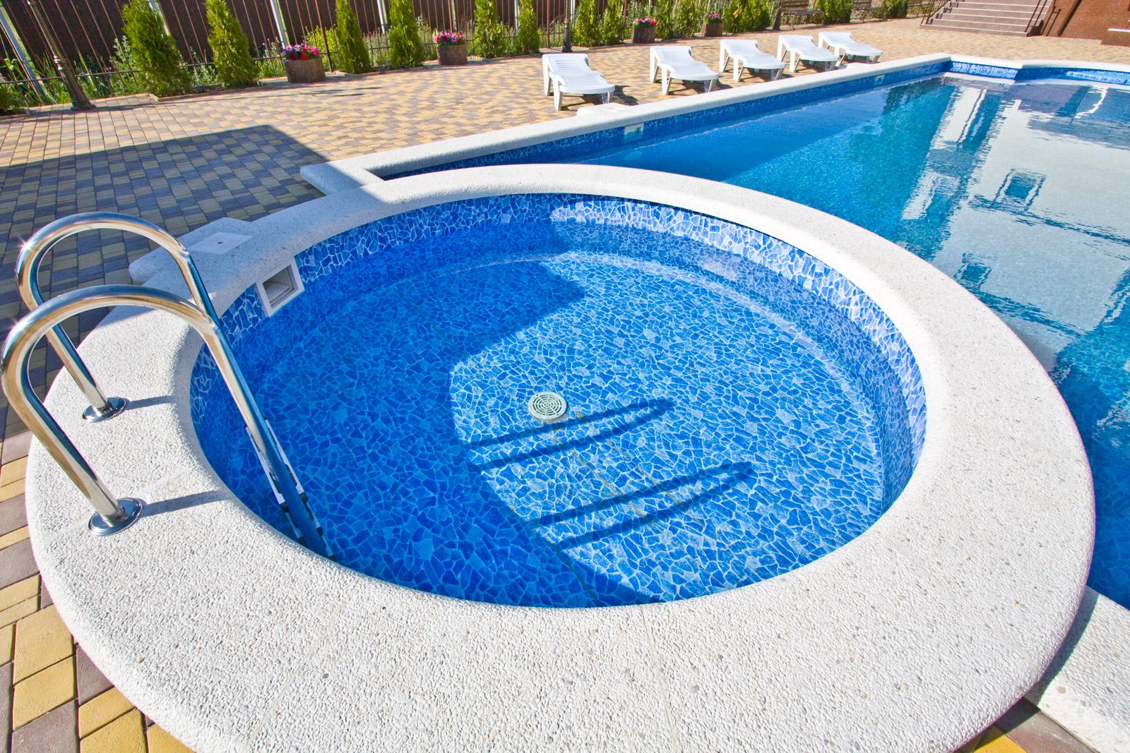 сетчатый фильтр для очисткы воды в бассейне
