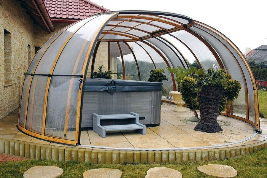 Крыша из поликарбоната для дачного бассейна