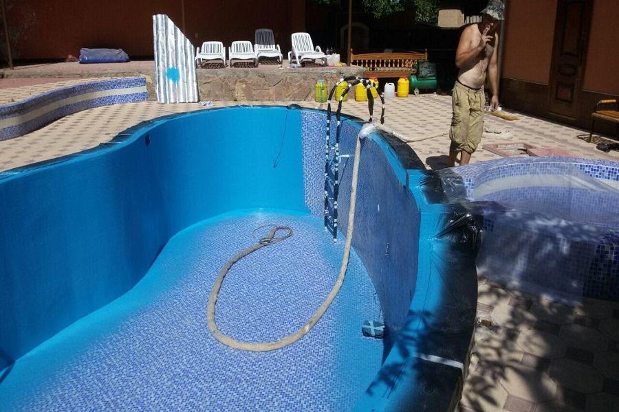 Нанесение полимочевины в бассейне