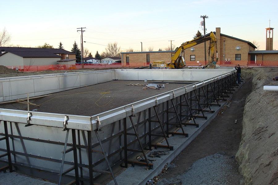 Строительство стального бассейна на участке